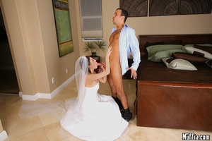 Big dicks. Mindy main cheats on her wedd - XXX Dessert - Picture 5