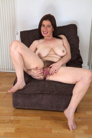 Saggy mature big tits