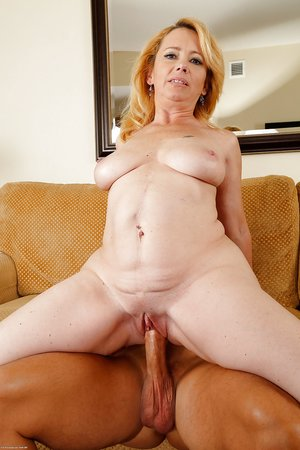 Real amateur mom fucked