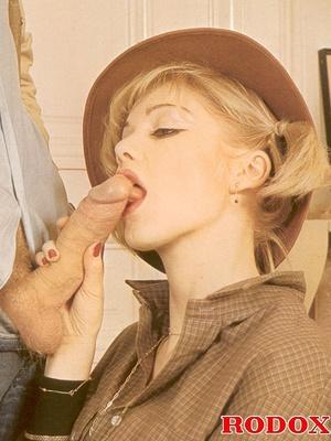 Vintage porn classic. Blonde retro babe  - XXX Dessert - Picture 5