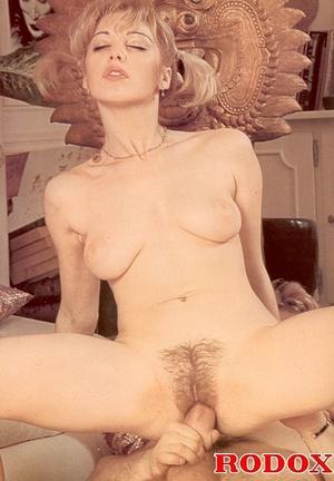 Vintage porn classic. Blonde retro babe  - XXX Dessert - Picture 9