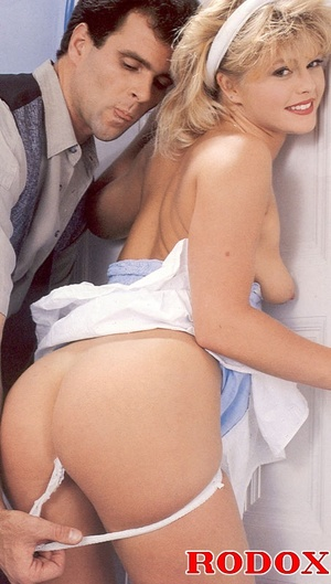 Old porn. Retro guy shoots his load on h - XXX Dessert - Picture 3