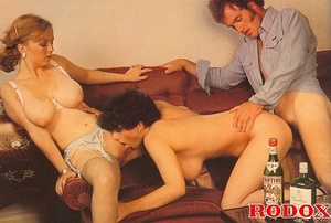 Classic pussy. Two retro wifes with big  - XXX Dessert - Picture 13