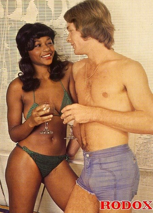 Perfect hairy pussy. Black seventies lad - XXX Dessert - Picture 19