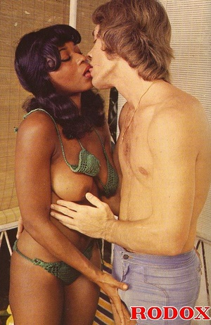 Perfect hairy pussy. Black seventies lad - XXX Dessert - Picture 21