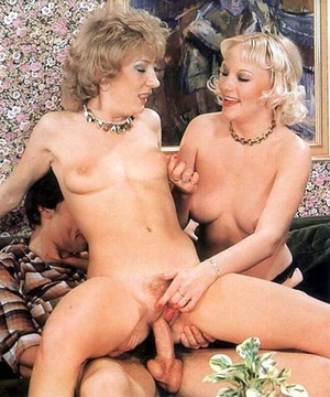 Old classic porn. Two hairy seventies la - XXX Dessert - Picture 30