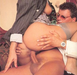 Very hairy pussy. Horny seventies lady p - XXX Dessert - Picture 9