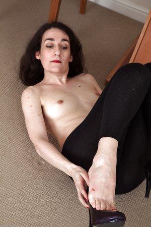 Tiny tits american amateur mature
