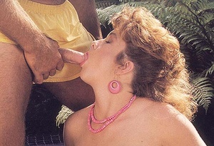 Hairy pussy cuties. Horny seventies lady - XXX Dessert - Picture 4