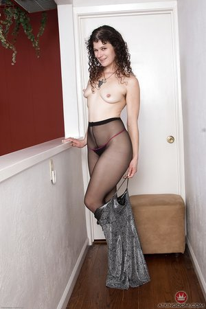 Model panties masturbation