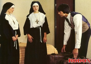 Hardcore sex. Retro nuns pleasing the ho - XXX Dessert - Picture 2