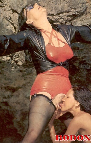 Hairypussy. Kinky retro lesbians in late - XXX Dessert - Picture 11