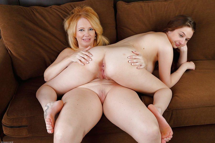 Blonde Teen Mature Lesbian