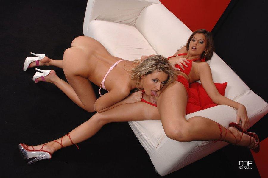 Lesbian Hairy Pussy Feet