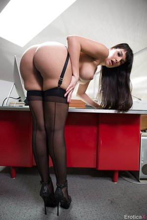 American pretty black stocking milf