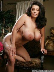 Arabic milf nude