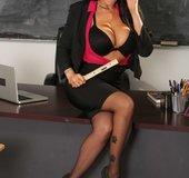 Dark haired lesbian stockings