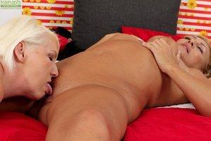 Beautiful mature bbw lesbian