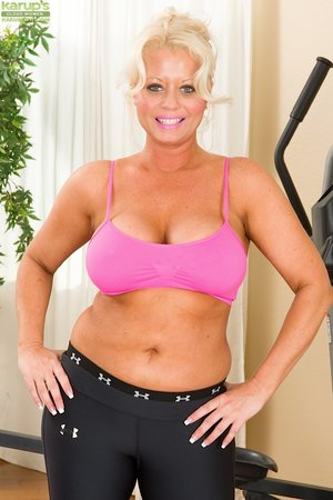 British fat hot blonde mom