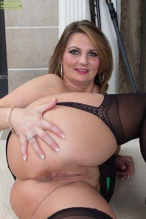 Fat amateur wife lingerie