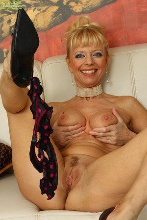 Elegant amateur wife lingerie