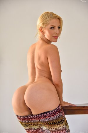 Young nude porn girls