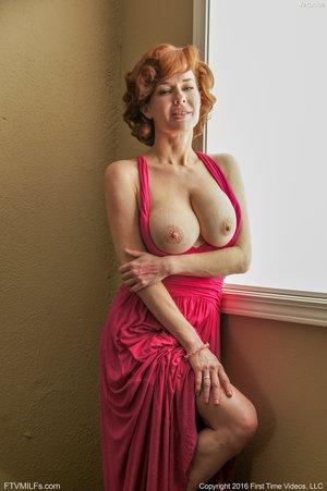 American pale redhead mature masturbation