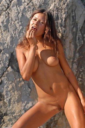Natural tits butt