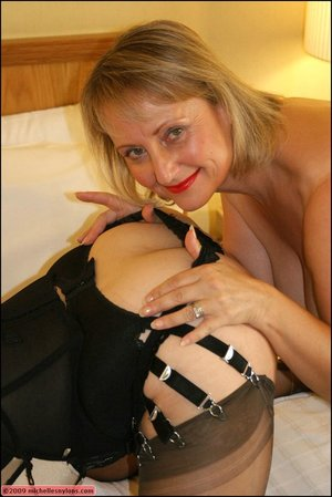 Fatty lesbian kissing stockings