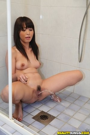 Hardcore asian squirting