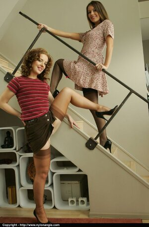 Lesbian legs milf