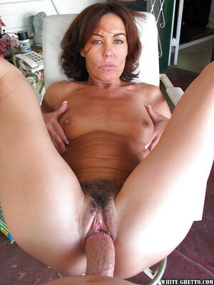 American brunette mature hairy pussy fucking