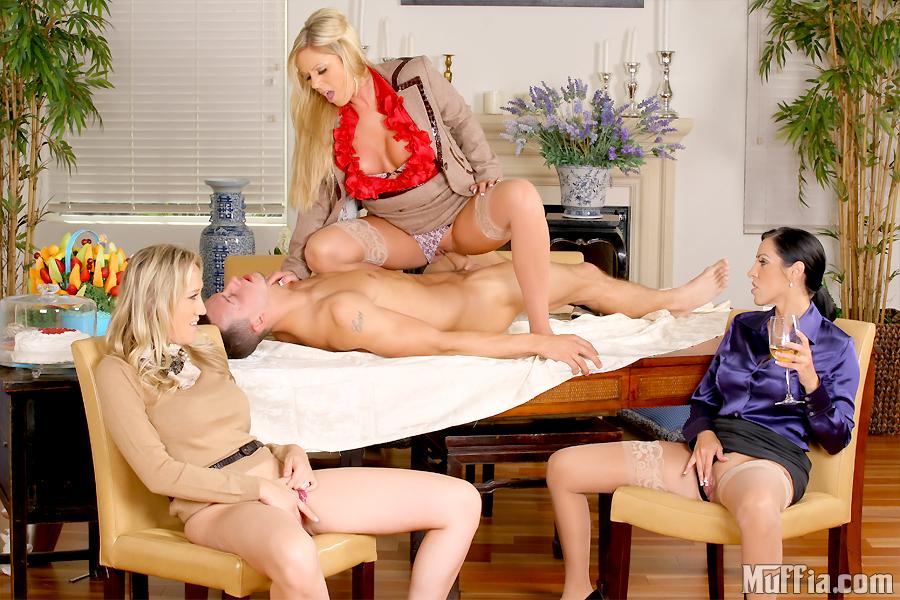 Lesbian outdoor orgy m27