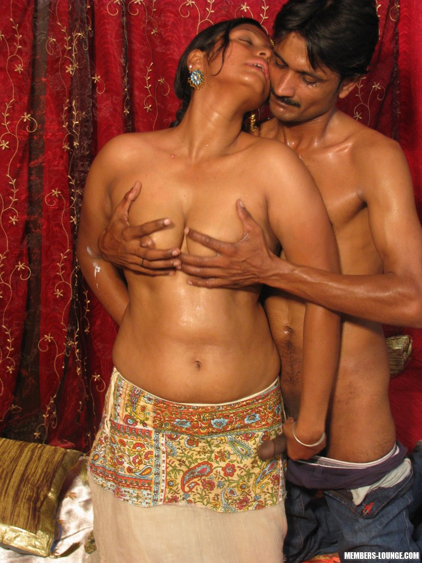 Hot Indian Girls Going Down - Xxx Dessert - Picture 8-4826