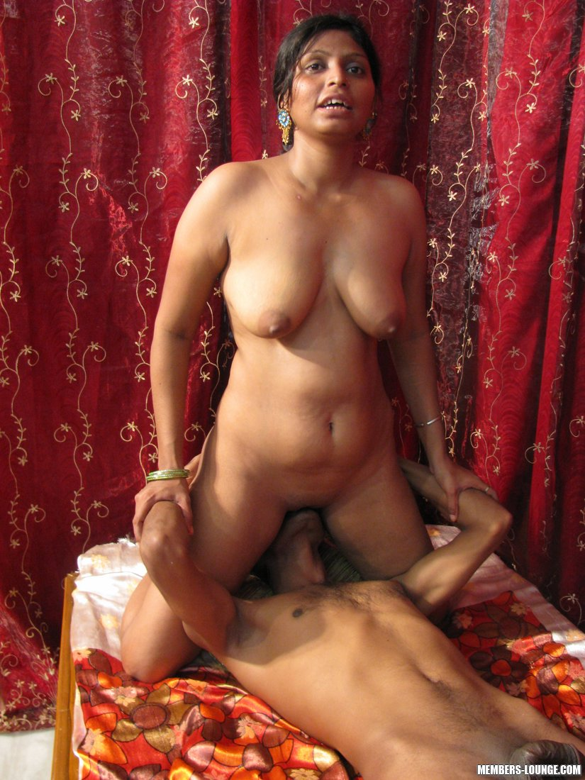 Hot Indian Girls Going Down - Xxx Dessert - Picture 13-3021