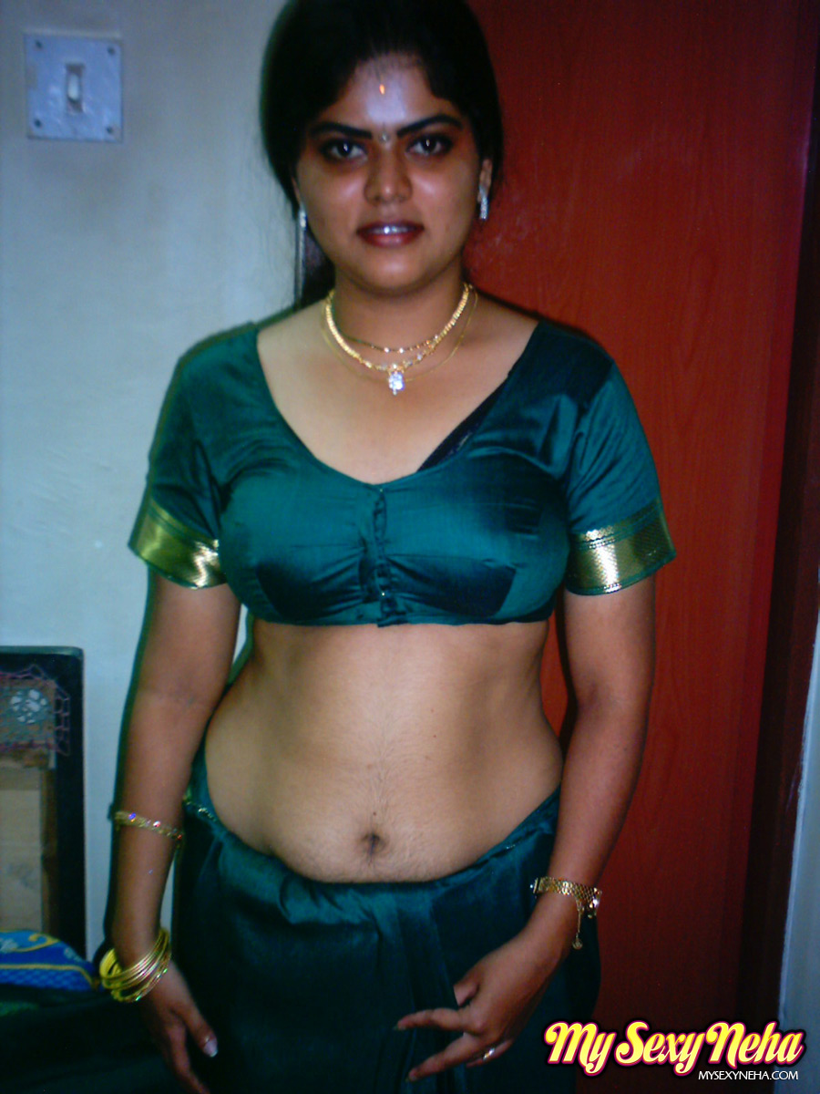 India Nude Neha In Traditional Green Saree - Xxx Dessert - Picture 4-4277