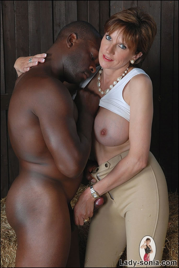 Mature Xxx Milf And Black Stable Boy - Xxx Dessert -7627