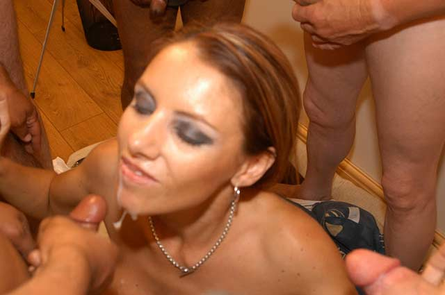 Private home mature bisexual couple sucking