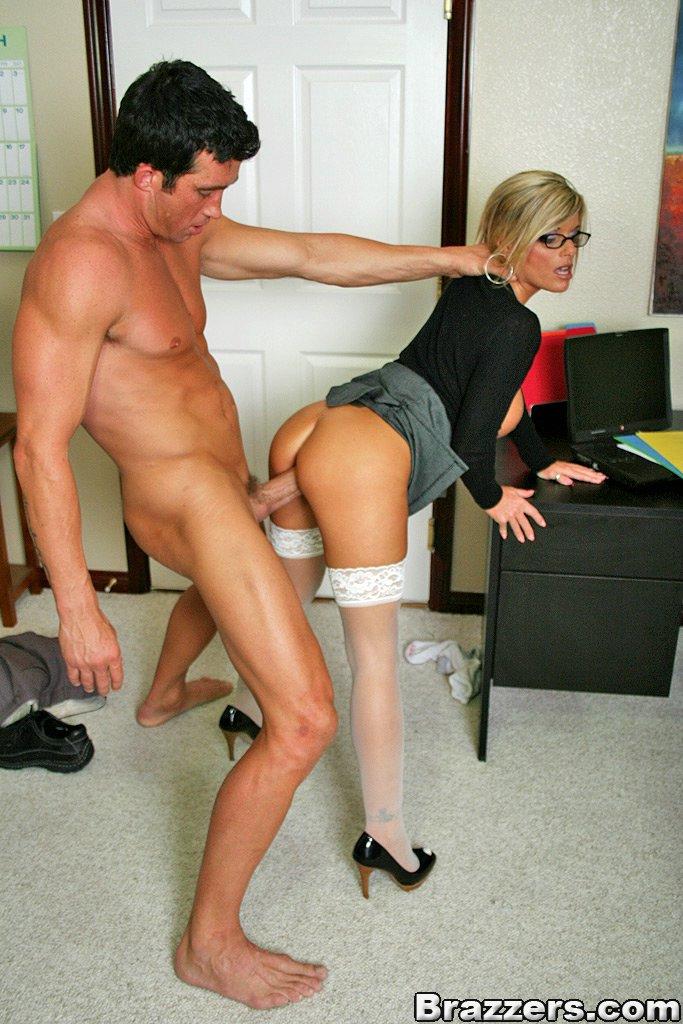 служебный секс геев в офисе