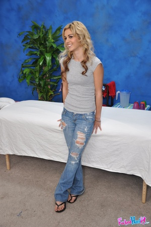 Young teen girls. Hot 18 blonde gets fuc - XXX Dessert - Picture 1