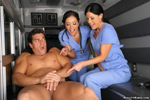 Cfnm porn. 2 hot mini skirt ambulance ba - XXX Dessert - Picture 6