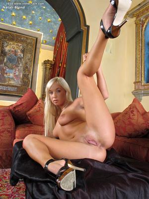 Erotic online. In The Crack. - XXX Dessert - Picture 10