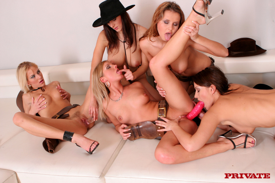 girls having orgy