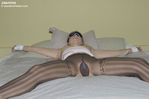 Sexy hot pants. Girls in nylons at home. - XXX Dessert - Picture 8