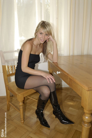 Stocking legs. Girls in pantyhose. - XXX Dessert - Picture 1