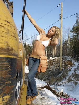 Free blonde porn. Sarah love to stroke a - XXX Dessert - Picture 4