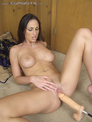 Sex machine orgasms. Rhiannon Bray. - XXX Dessert - Picture 2