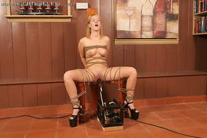 Machines fucking. Sasha Knox. - XXX Dessert - Picture 9