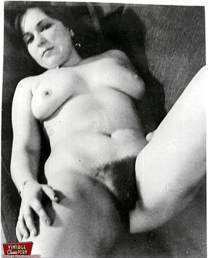Vintage pornography. Bushy sixties ladie - Picture 6