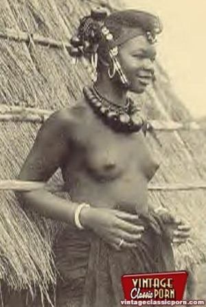 Vintage xxx. Several nude African ladies - Picture 6